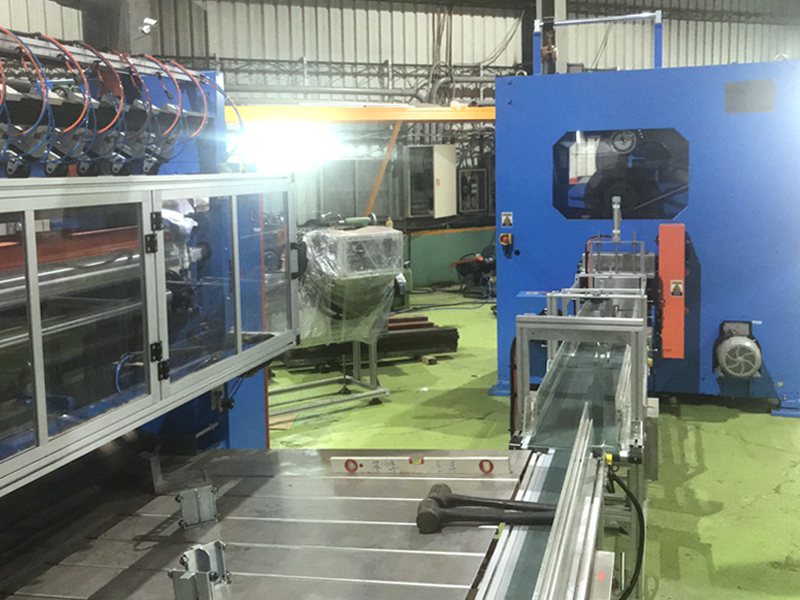 B1B. Logsaw cutting machine for tissue paper/ V fold / Z fold hand towel (Two lines in put)